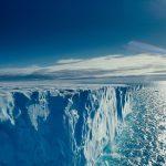 Ученые обнаружили огромное озеро подо льдами Антарктиды